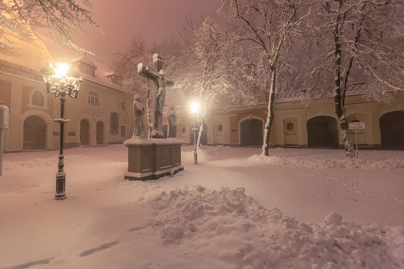 Centralna część Rajskiego Placu w okresie zimowym